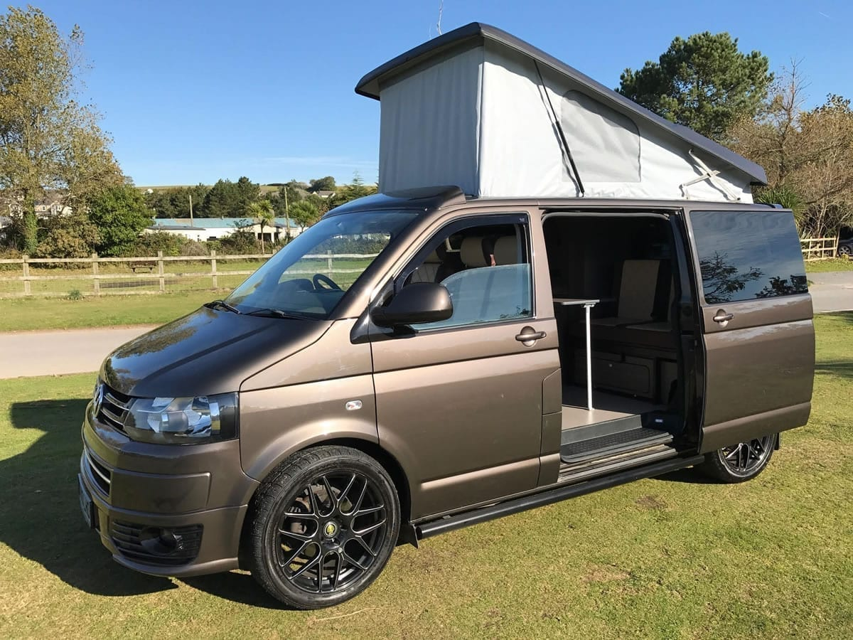 volkswagen transporter t5 for sale with elevating roof. Black Bedroom Furniture Sets. Home Design Ideas